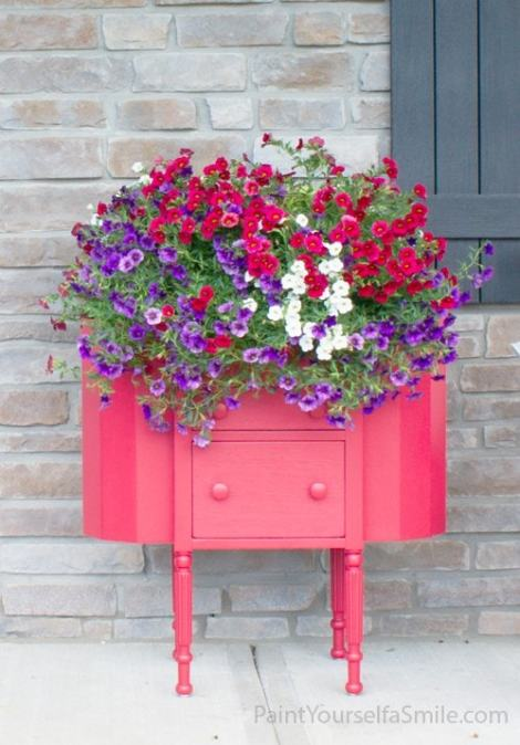 Upcycled Porch Planter | Paint Yourself A Smile