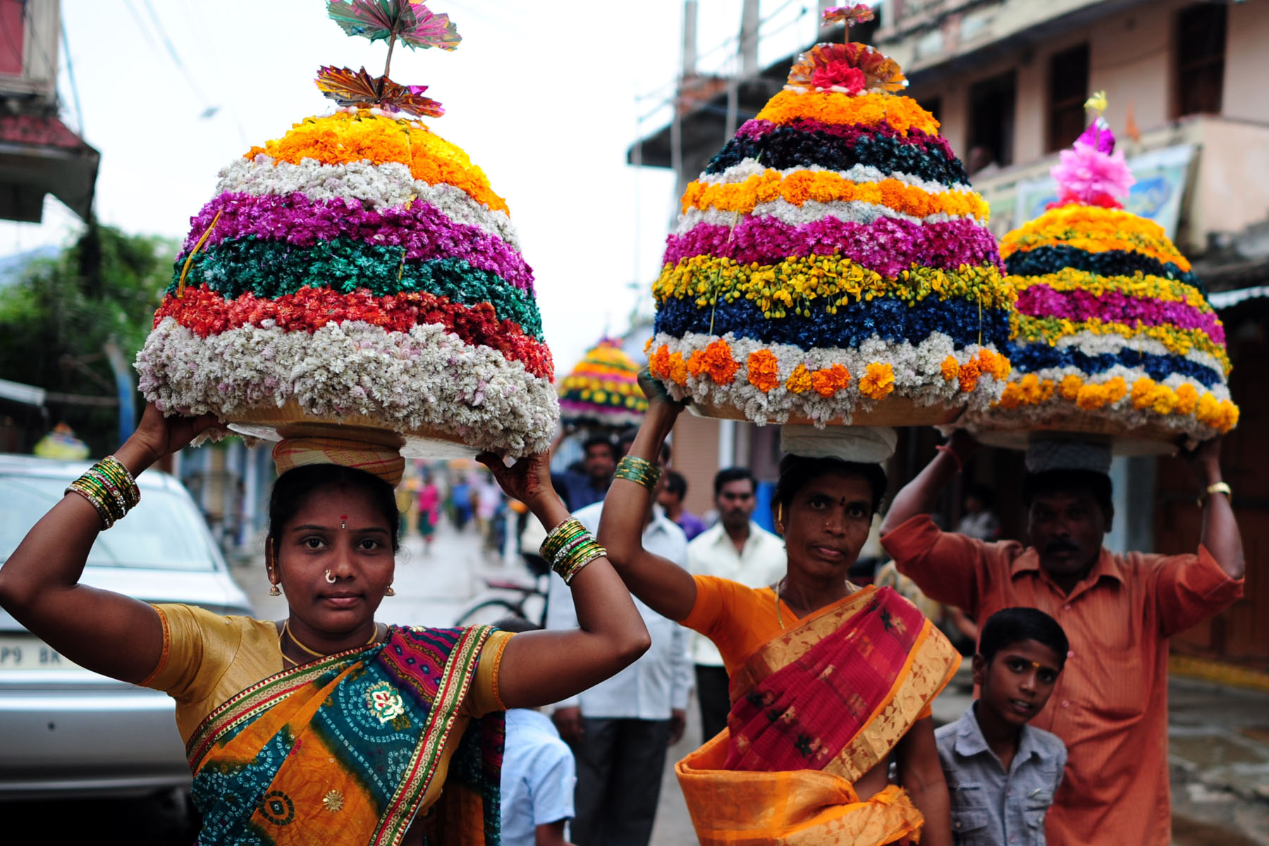 Women carrying Bathukamma in Telangana