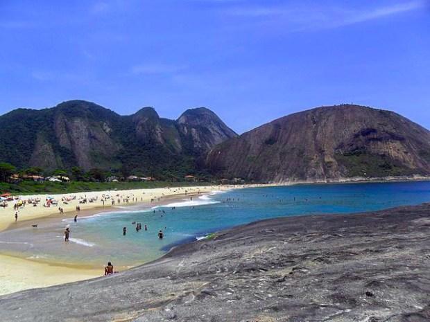 Praia de Itacoatiara Niterói