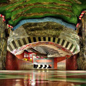 Roteiro pelas incríveis estações de metrô de Estocolmo