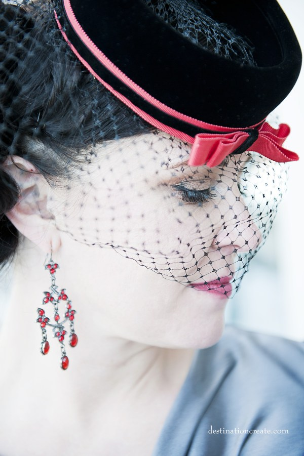 Vintage style bride Denver- wearing charming pillbox hat.