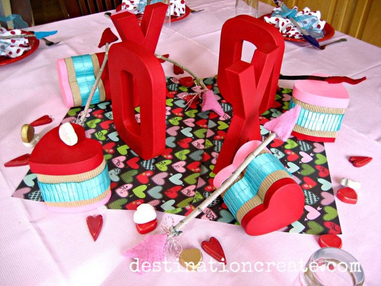 Valentine table decorations