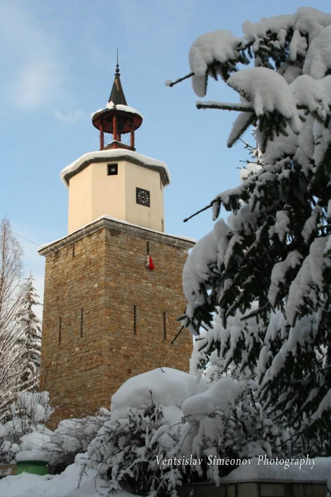 Часовниковата кула - снежна