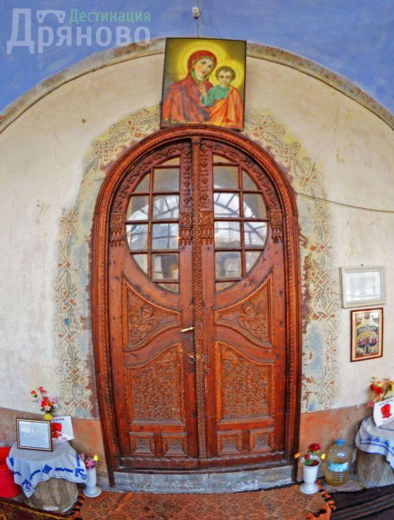 Вход на храма