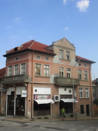 Сградата, където е бил хотел Рачика; Буров; 1