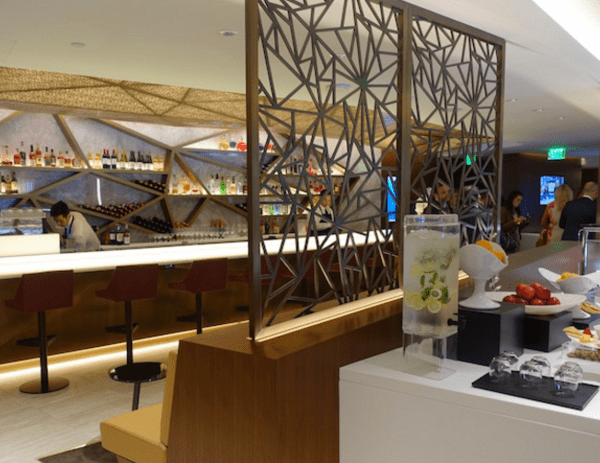 ETIHAD AIRWAYS LAUNCHES LUXURY LOUNGE AT LAX.