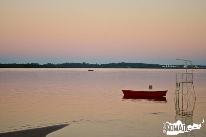 Atardecer sobre el río Uruguay