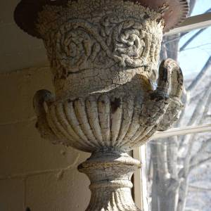 antique-english-cast-iron-urn