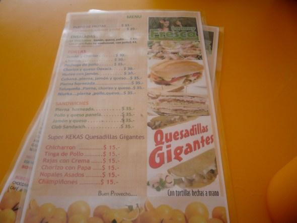 Un menú de un local del Parque de las Palapas