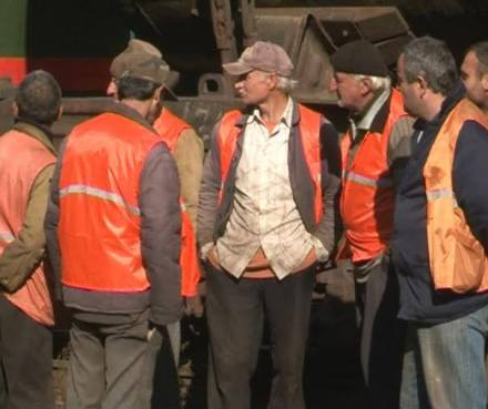 railway_workers_on_strike_IPN
