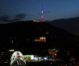 tbilisi_tv_tower_french_tricolor_2016-07-15