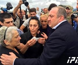 giorgi_margvelashvili_in_gonio_with_families_of_missing_divers