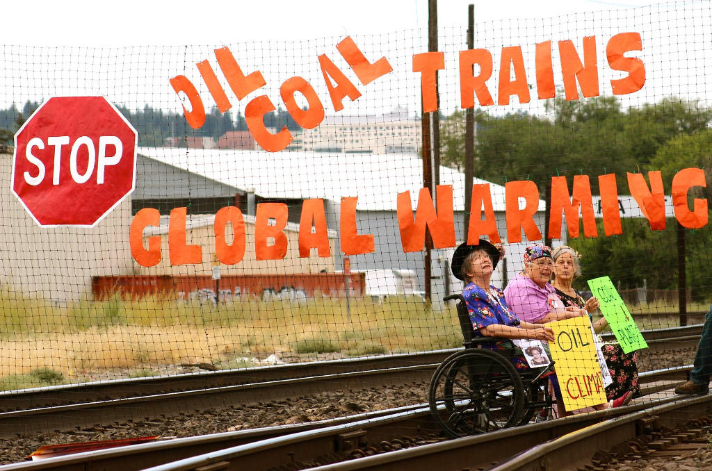 Spokane Veterans for Peace Blockading Fossil Fuel Trains