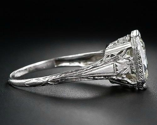Side view of 3.26 carat antique diamond engagement ring. Late Edwardian or early Art Deco. Via Diamonds in the Library.