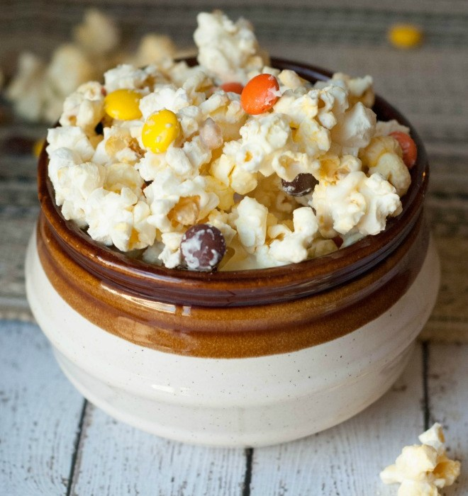 Salted White Chocolate Reece's Pieces Popcorn
