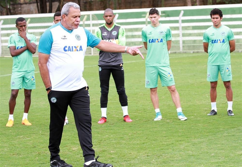 Coritiba empata com o Goiás e está fora da Copa do Brasil
