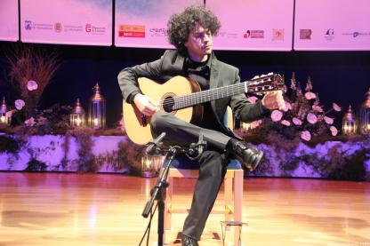 Alí Arango durante su actuación en la semifinal del Certamen Andrés Segovia 17 (2)