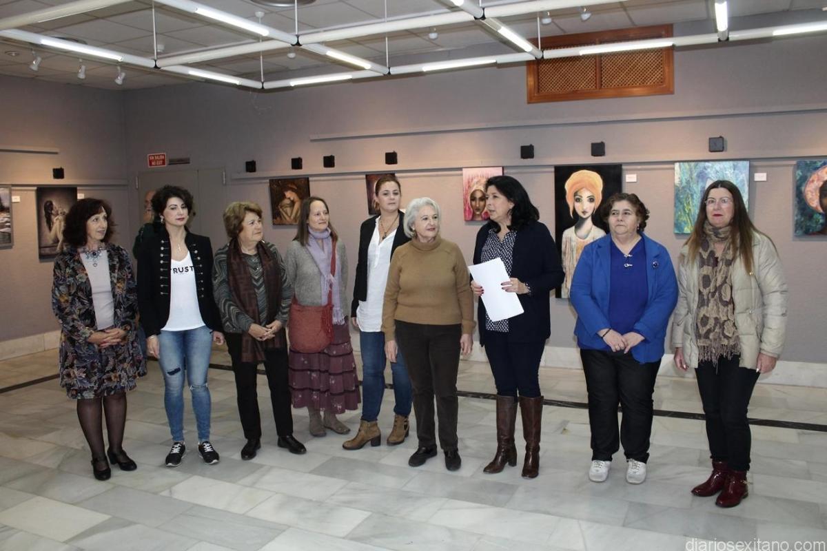 Inaugurada en la Casa de la Cultura la exposición de Mujeres Pintoras de Almuñécar y La Herradura