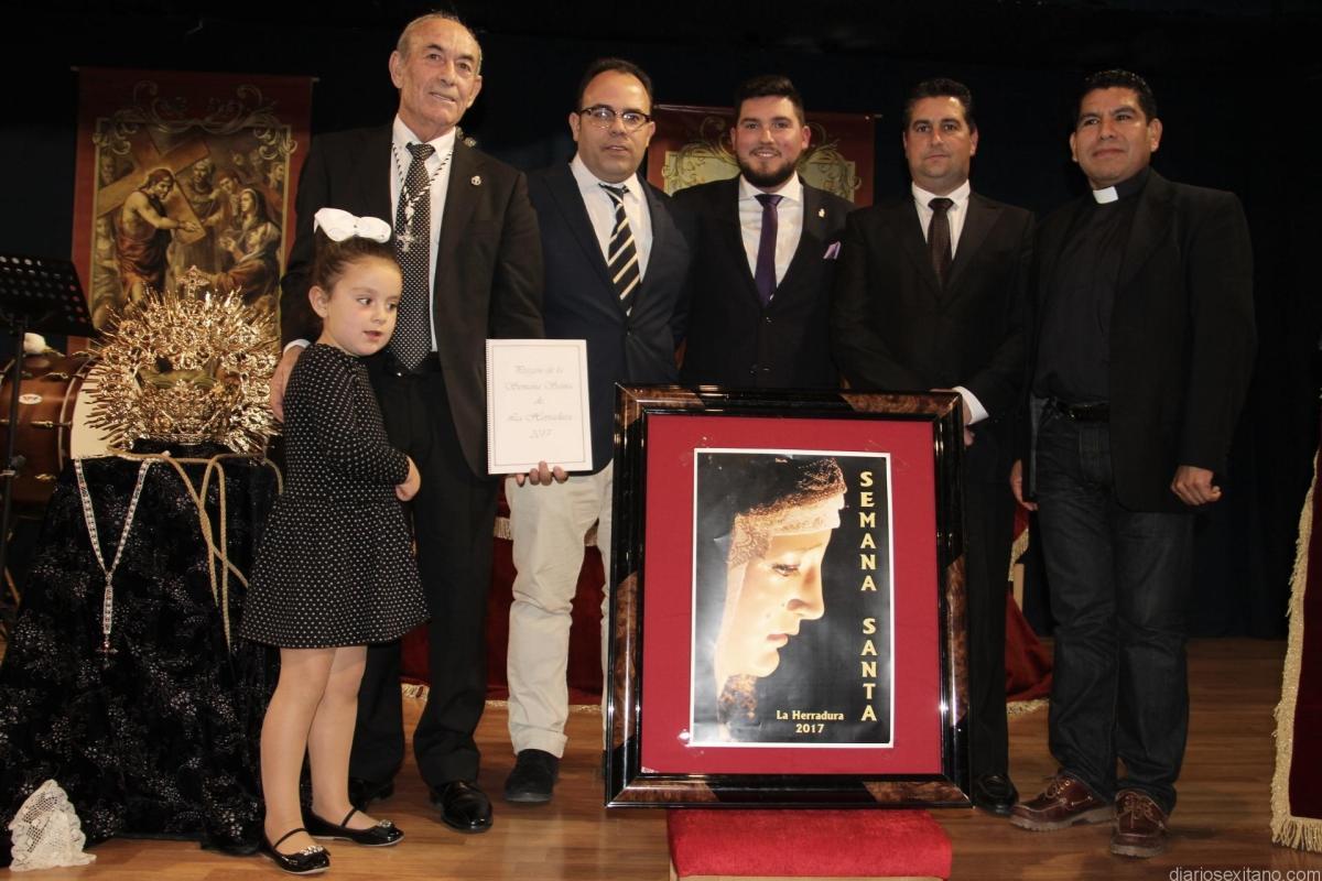 Enrique Trujillo Jiménez pregonó la Pasión de Cristo según La Herradura en un sentido y religioso acto