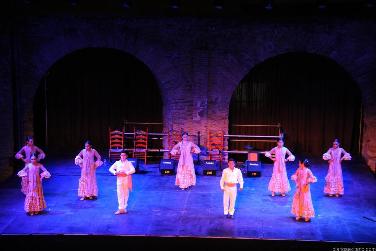 APAT celebra este viernes su Festival Benéfico en la Casa de la Cultura a partir de las 21 horas.
