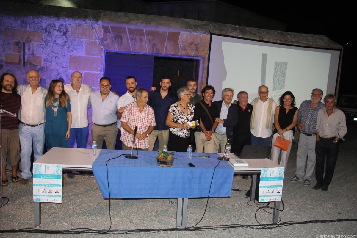 Éxito de acogida en la presentación del Gran Libro de La Herradura en el Castillo herradureño.