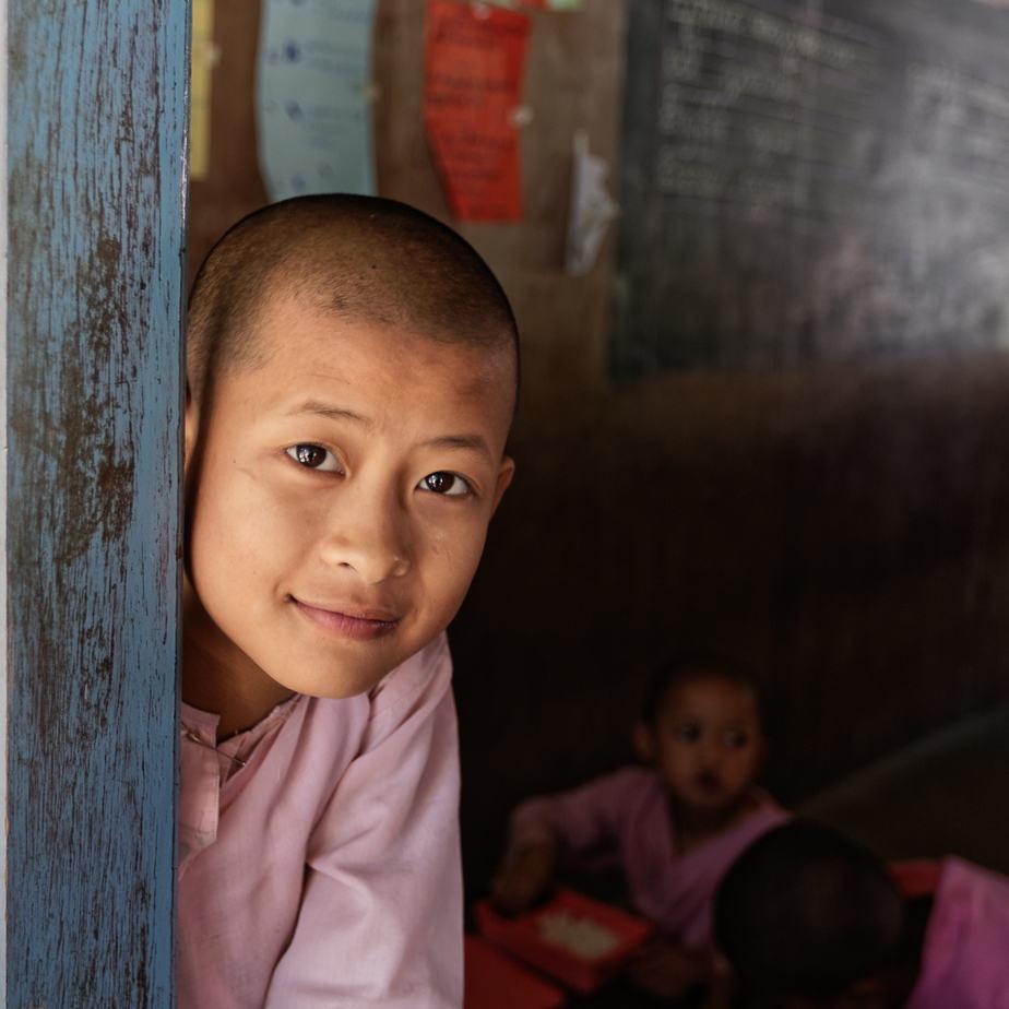 Exposition Birmanie : photos de femmes et d'enfants
