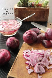 Pickled red onions_FP