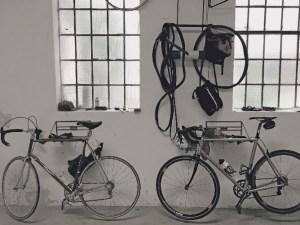 Francesco Moser und CAPO. – Alles hat seinen Platz im Atelier. Foto Johannes Staudinger