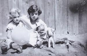 Lucia Heilman und Ernestine Dankner, Pappenheimgasse Wien,1932. Foto Privatbesitz Dr. Lucia Heilman