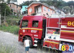 Incêndio em casa abandonada no Zatt em Bento