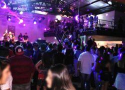 Operação conjunta da BM interdita clube e notifica seis em Farroupilha