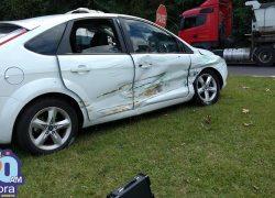Jovens ficam levemente feridos após acidente no trevo da Pipa na BR-470