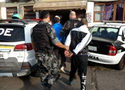 Bandidos armados são capturados pelo POE após perseguição em Bento