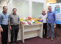Câmara entrega 50 quilos de alimentos em Bento
