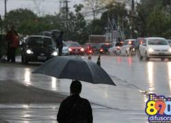 Tempo deve mudar e chuvas podem atingir o Estado nesta segunda-feira