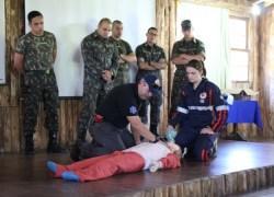 Samu realiza treinamento de primeiros socorros para militares do 6º BCOM