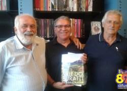 """Livro """"Vale do Buratti – História e Vida"""" é lançado em Bento"""