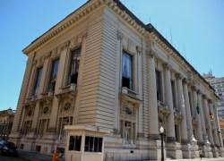Estado quita salários de até R$ 2,7 mil nesta quarta-feira