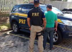 PRF prende embriagado dirigindo em zigue-zague pela BR-116 em Caxias do Sul