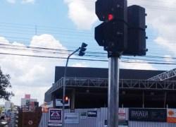 Semáforo para pedestres é instalado no bairro Cidade Alta em Bento
