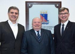 Evaldo Kuiava e Odacir Graciolli são reconduzidos aos cargos de reitor e vice-reitor da UCS