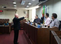 Edson Biasi assume cadeira na Câmara de Bento