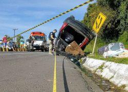 Jovem morre após capotamento na BR-116 em São Marcos