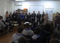 """""""OAB Vai a Escola"""" realiza a primeira palestra do ano para a EMEF Anselmo Luigi Piccoli em Bento"""