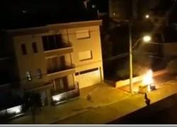 Contêiner de lixo orgânico é incendiado no centro de Flores da Cunha