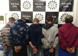 Ação contra o tráfico de drogas prende cinco pessoas em Portão