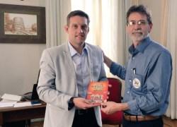 Prefeito de Barão visita Bento Gonçalves