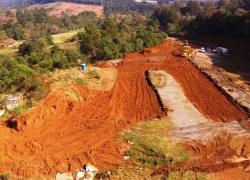 Inicia limpeza e terraplanagem em área que irá receber a Estação de Tratamento de Esgoto da Corsan em Bento