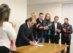 Assinada ordem de serviço para ampliação dos pavilhões da Fenachamp