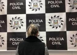 Alimentos impróprios para consumo são descartados em ação da Polícia Civil em São Sebastião do Caí